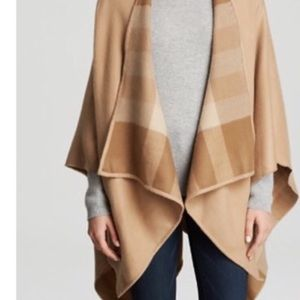 Burberry cape : just sale on week
